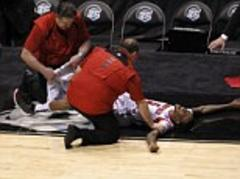 Kevin Ware: Louisville University player snaps leg during NCAA Tournament game against Duke